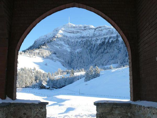 Winter hiking on Seebodenalp