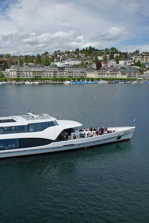 Scenic Cruises on the Panorama-Yacht